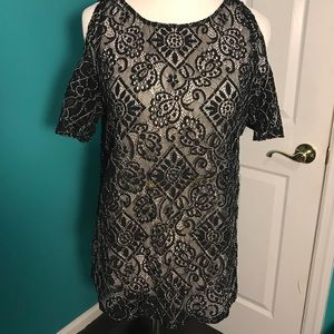 Lace black and white top with shoulder detail